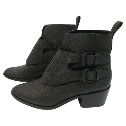 Alexander Wang Boots in rock leather look