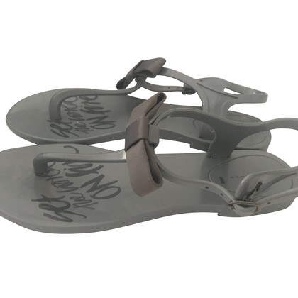 Schumacher Toe separator in grey
