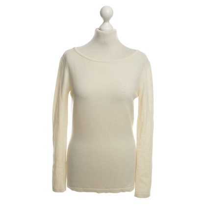 Escada top in cream