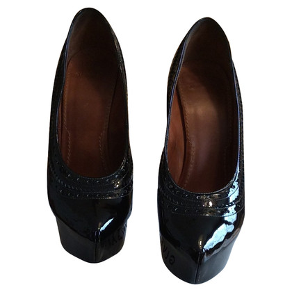 Givenchy pumps patent leather