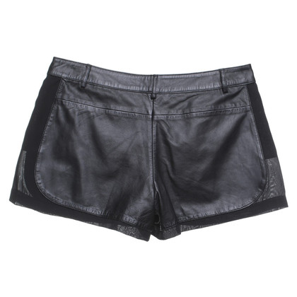 Pinko Lederen shorts in zwart