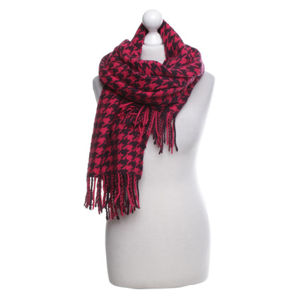 Hugo Boss Scarf with tap pattern