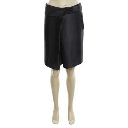 Armani Shorts in winding look