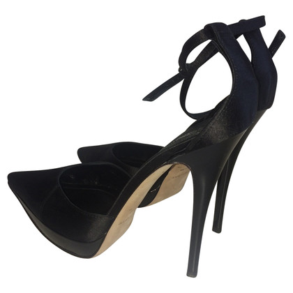 Burberry Prorsum Pumps aus Satin