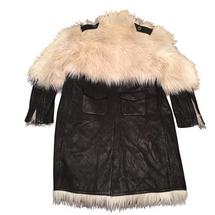 Chanel Cappotto di pelle di agnello con pelliccia Web trim