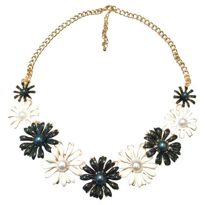 Valentino Necklace with floral decoration