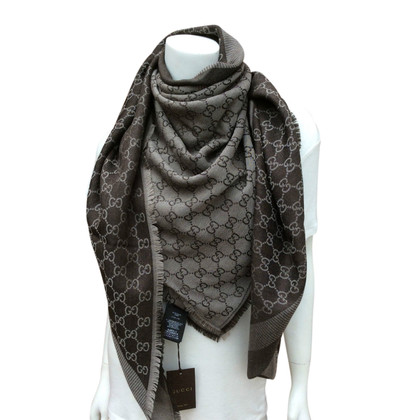 scarves and shawls second hand scarves and shawls online store scarves and shawls outlet sale. Black Bedroom Furniture Sets. Home Design Ideas