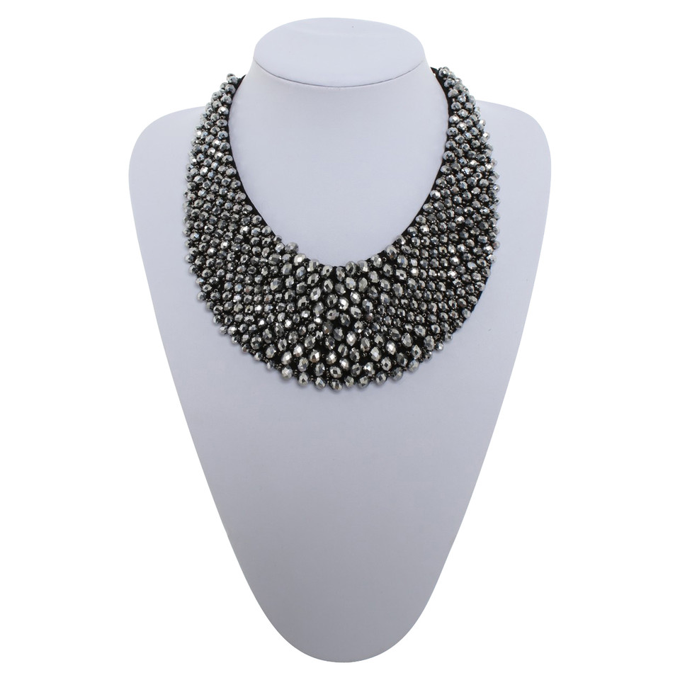 Laurèl Statement necklace with jewelry