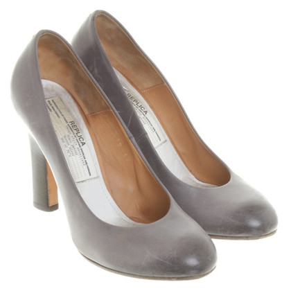 Maison Martin Margiela Pumps in Grau