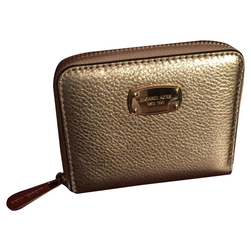 michael kors goldfarbenes portemonnaie second hand michael kors goldfarbenes portemonnaie. Black Bedroom Furniture Sets. Home Design Ideas