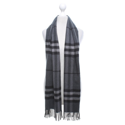 Burberry Scarf with Nova-Check pattern