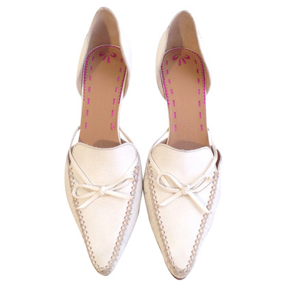 Emanuel Ungaro pumps in crema