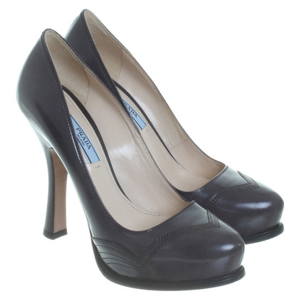 Prada Pumps in Grau