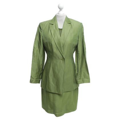 Marc Cain Dress & Blazers in verde