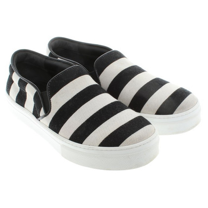 Céline Slipper in Black / White