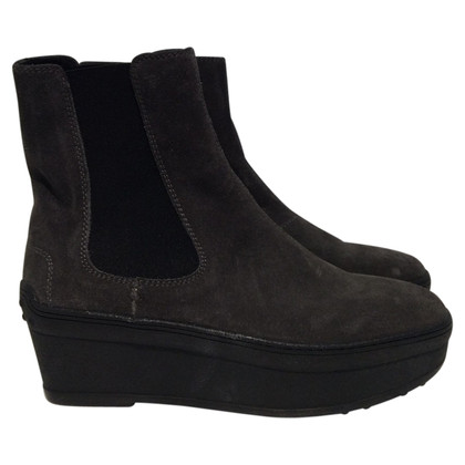 Tod's Ankle boots with platform