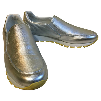 Prada Zilverkleurige sneakers