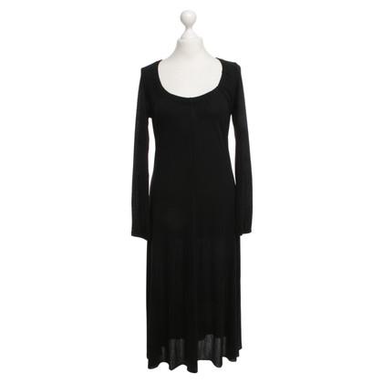 St. Emile Vestito di nero