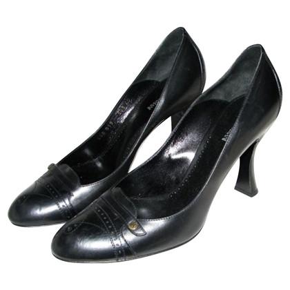 Giorgio Armani Classic black pumps