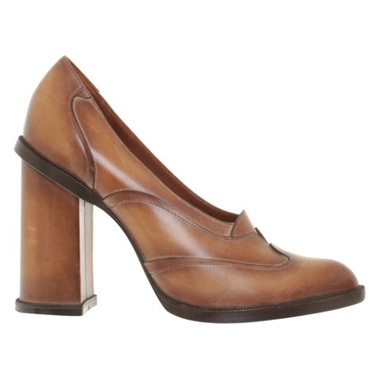 Yves Saint Laurent pumps in Bruin