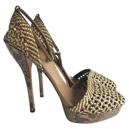 Gucci pumps with platform sole