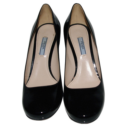 Prada Black patent leather shoe
