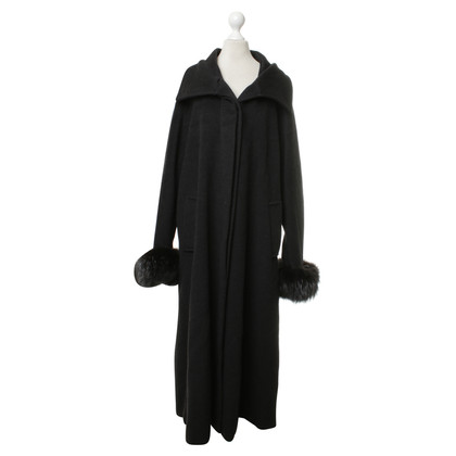 Max Mara Coat with fur details