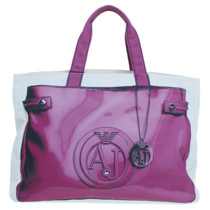 Armani Jeans Winkelend publiek met Taschenprint