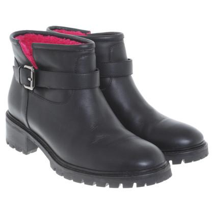 Fendi Boots in black