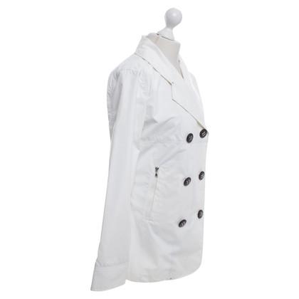 Armani Regenjas in het wit