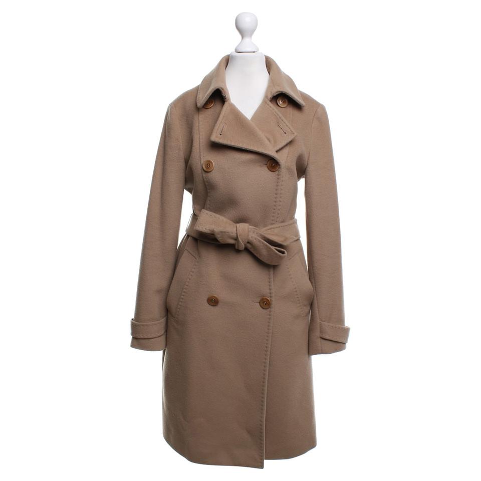 max mara manteau en ocre acheter max mara manteau en ocre second hand d 39 occasion pour 350 00. Black Bedroom Furniture Sets. Home Design Ideas