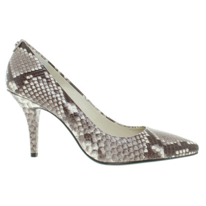 Michael Kors pumps in Snake design