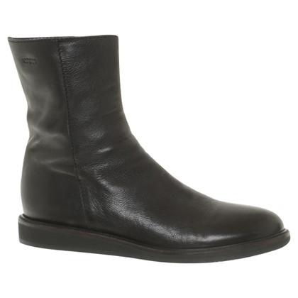 L'autre Chose Boots in een eenvoudige stijl