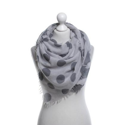 Iris von Arnim Cloth in grey