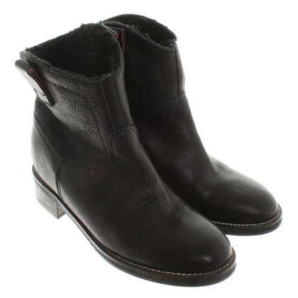Hugo Boss Boots in Black