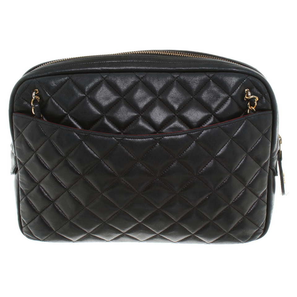 chanel gesteppte handtasche in schwarz second hand. Black Bedroom Furniture Sets. Home Design Ideas