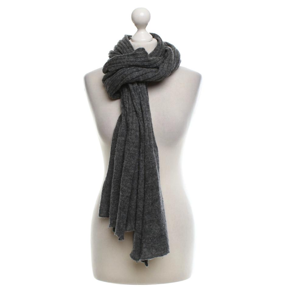 marc cain sjaal in gray koop tweedehands marc cain sjaal in gray voor 44 00 2485444. Black Bedroom Furniture Sets. Home Design Ideas