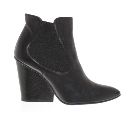 Paco Gil Boots in Black