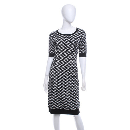 Hugo Boss Knitted dress with houndstooth pattern
