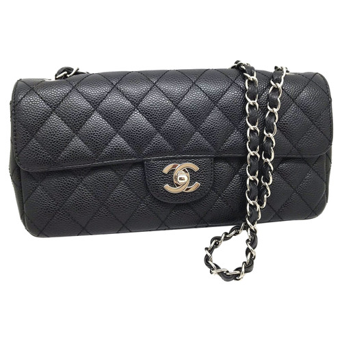 Chanel Clutch Bag Leather in Black - Second Hand Chanel Clutch Bag ... a165bf811dddb