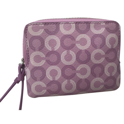 Coach clutch with pattern
