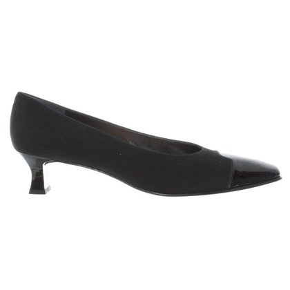Stuart Weitzman pumps in black