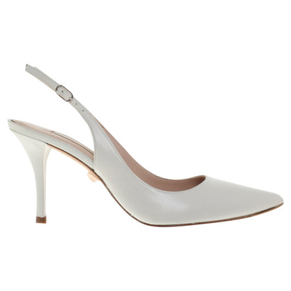 Pura Lopez pumps in het wit