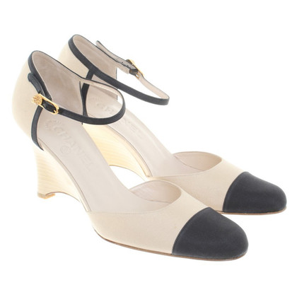Chanel Pumps in Beige/Schwarz