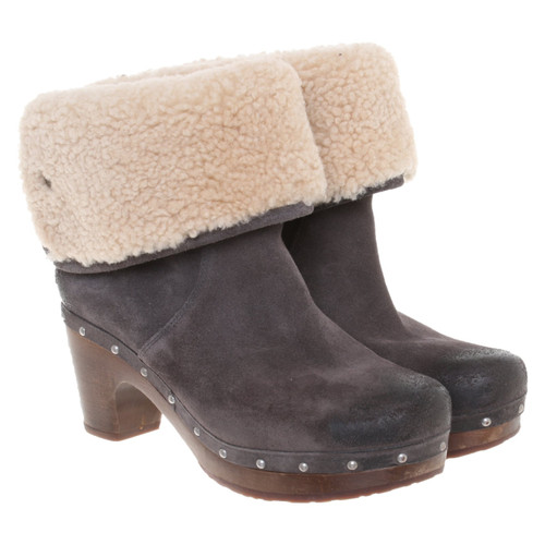 a919783d746 UGG Australia Ankle boots Suede in Grey - Second Hand UGG Australia ...