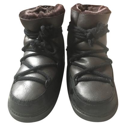 IKKII Lackleder Boots