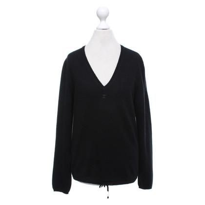 Chanel Sweater in black