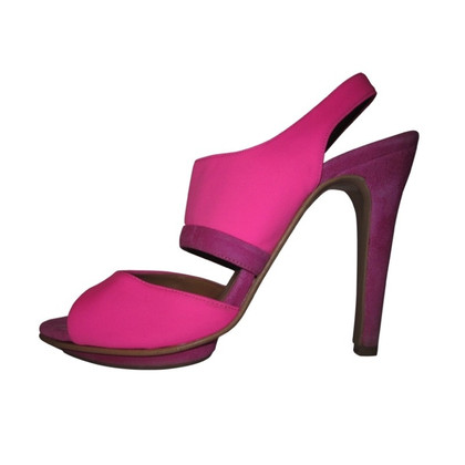 Stefanel Neon pink peeptoes from suede