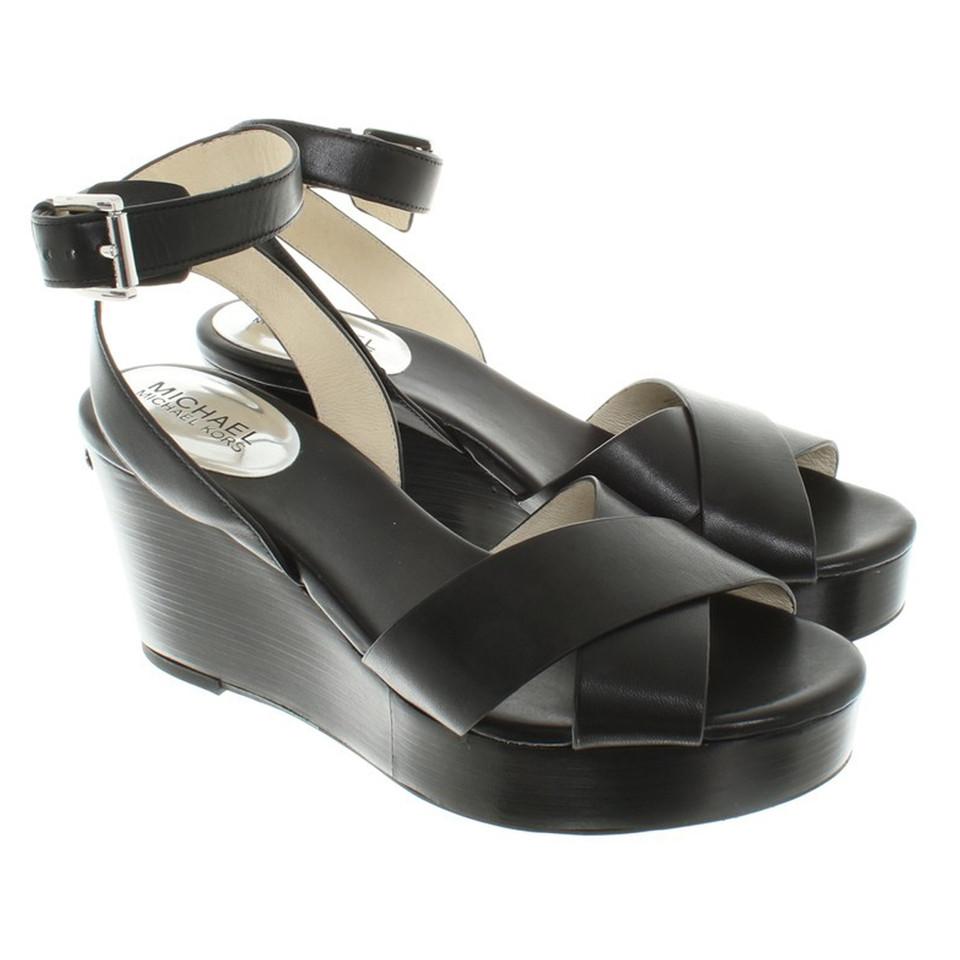 michael kors sandaletten mit plateau second hand michael kors sandaletten mit plateau. Black Bedroom Furniture Sets. Home Design Ideas