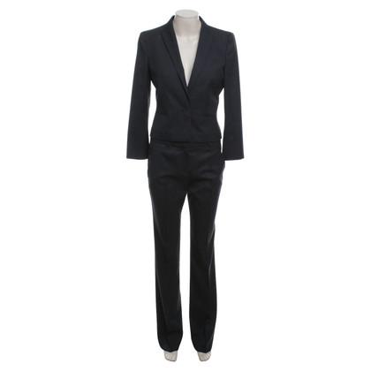 Hugo Boss tailleur pantalone in grigio scuro